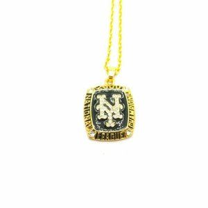 USA New York Mets 2000 Pendant Necklace